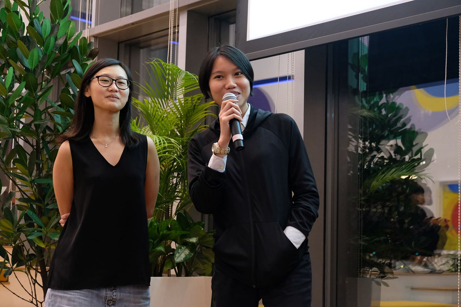 Ms Goh Pei Wing (left) and Ms Jamie Soo won the first prize in the XDS Data Storytelling competition that took place on Nov 14, 2019.