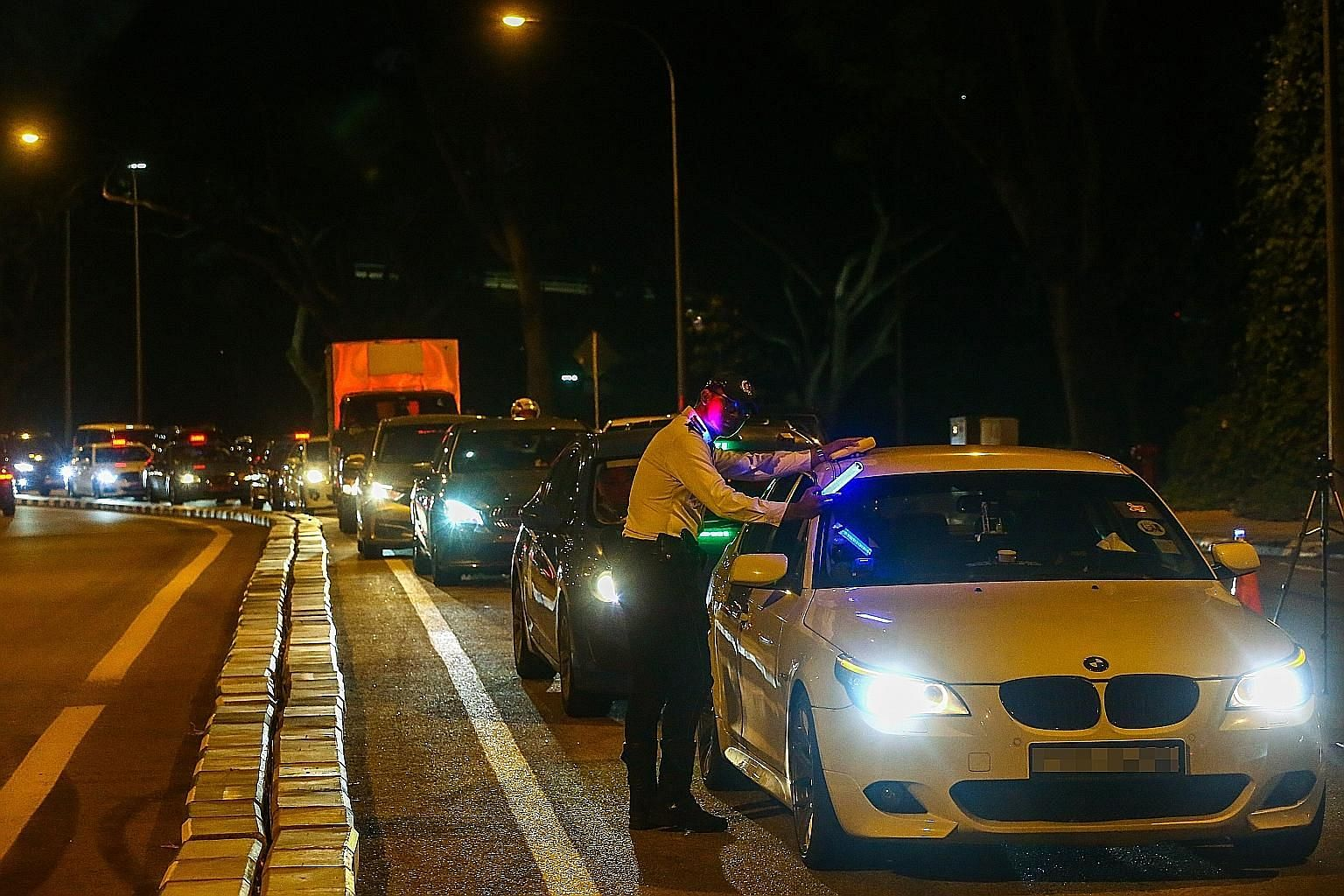 The number of offenders caught for drink driving fell from 1,568 in the January to September period last year to 1,486 this year. PHOTO: LIANHE ZAOBAO FILE