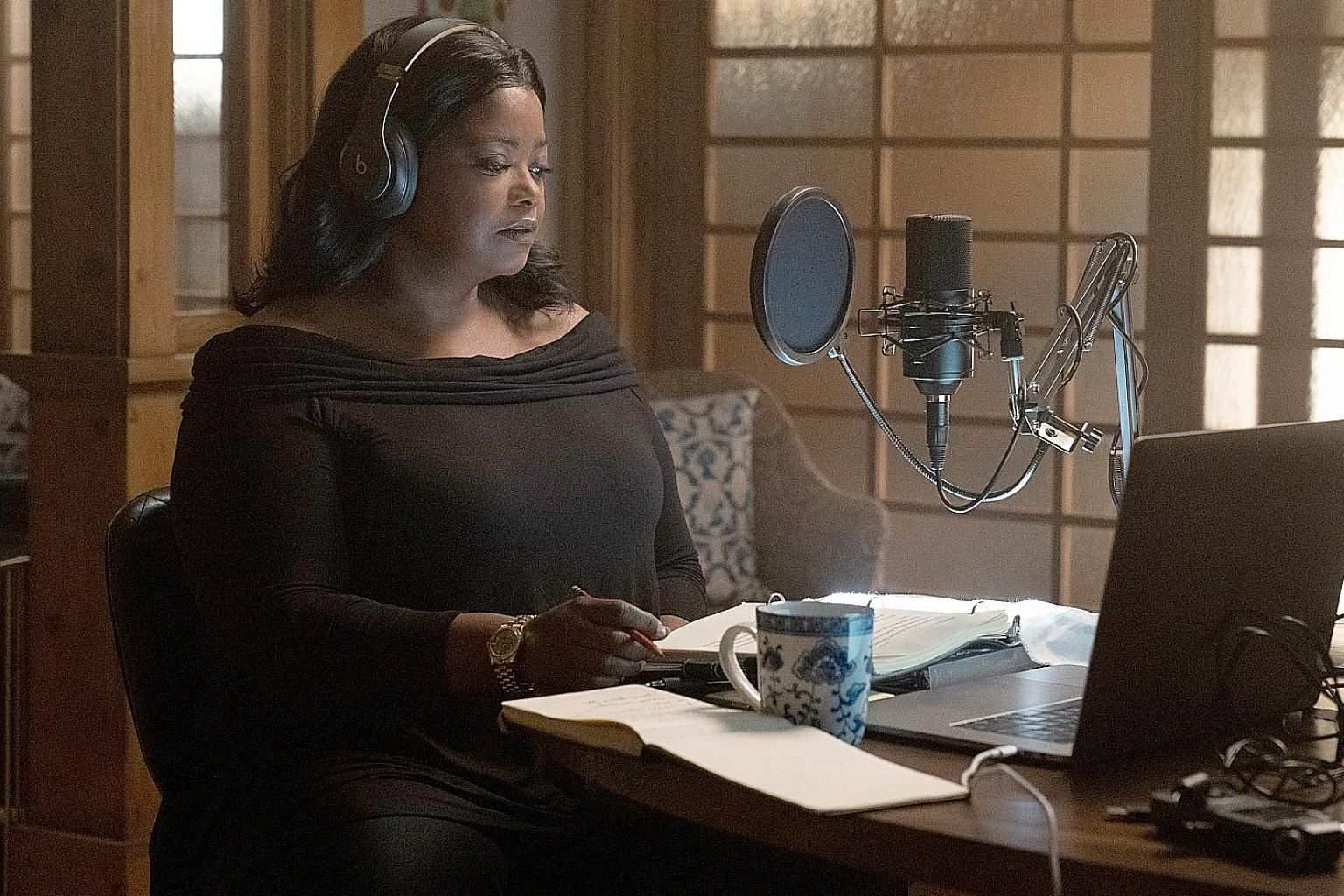 Octavia Spencer plays Poppy Parnell, a true-crime podcaster, in Truth Be Told.