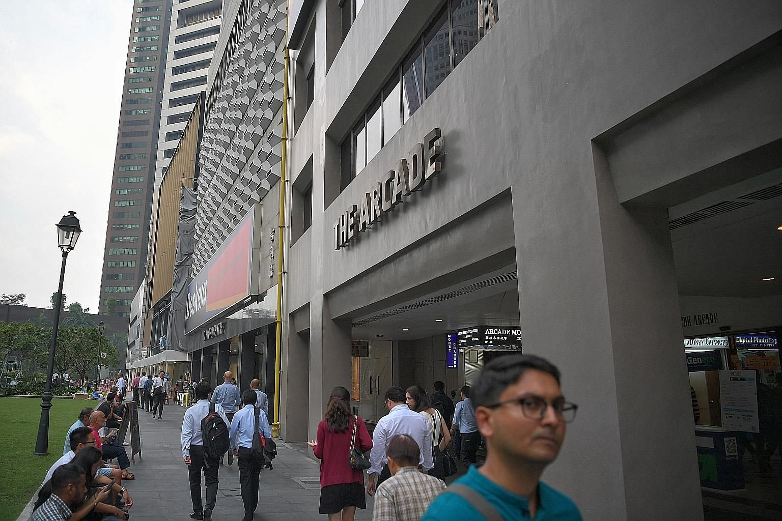 Marketing agent Colliers said that due to the year-end holidays, developers had asked for the tender deadline to be extended to give them more time to evaluate The Arcade site. ST PHOTO: ARIFFIN JAMAR