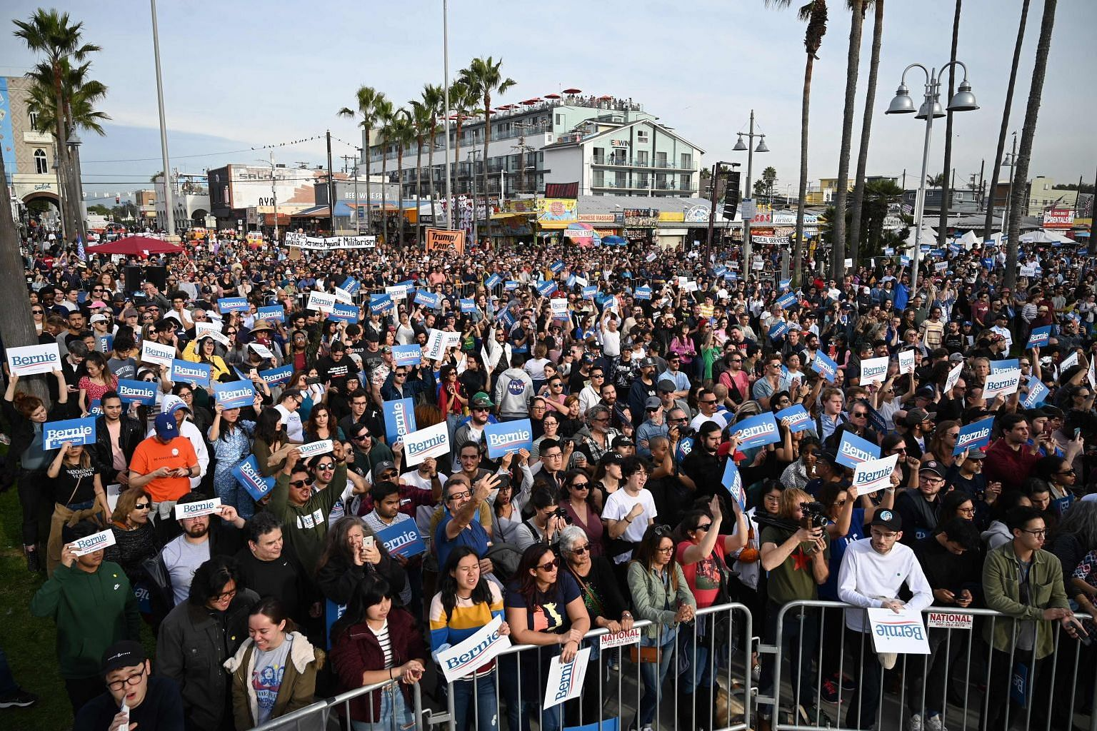 A US Democratic rally in the Venice Beach neighbourhood of Los Angeles, California, on Dec 21. The presidential election could be tight, which will inevitably bring some focus on economic policies of the various candidates.