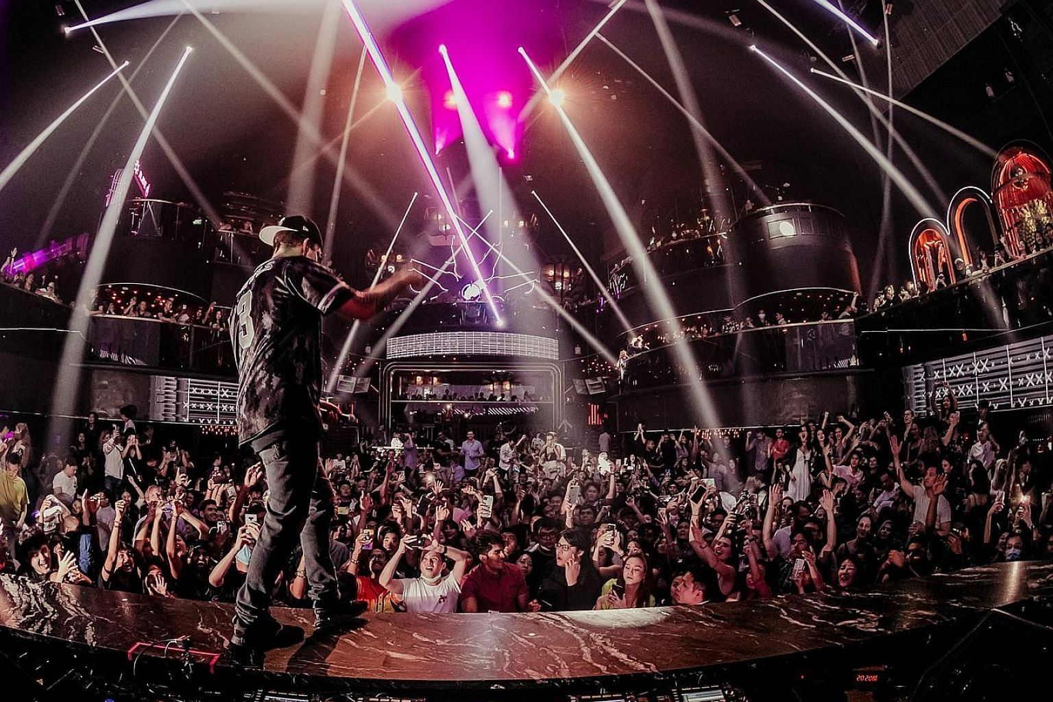 It was a sizeable crowd at Marquee Singapore in Marina Bay Sands last week when DJ Illenium played his set.