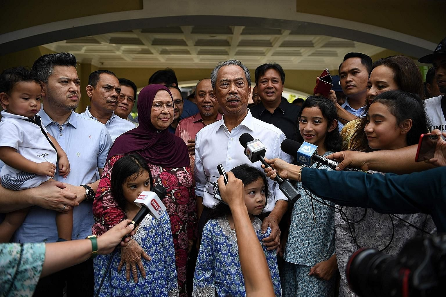 In a news conference last Wednesday, interim Prime Minister Mahathir Mohamad announced his wish to form a non-partisan unity government. PHOTO: REUTERS