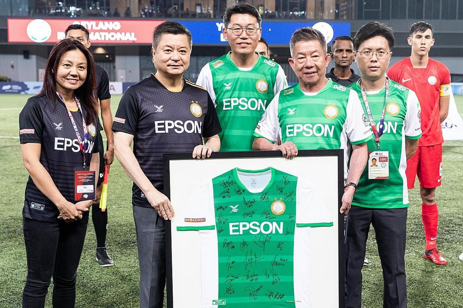 Geylang International will partner electronics firm Epson Singapore for a fifth consecutive year after they inked a season-long sponsorship extension yesterday. The signing ceremony took place at Our Tampines Hub before Geylang's Singapore Premier Le