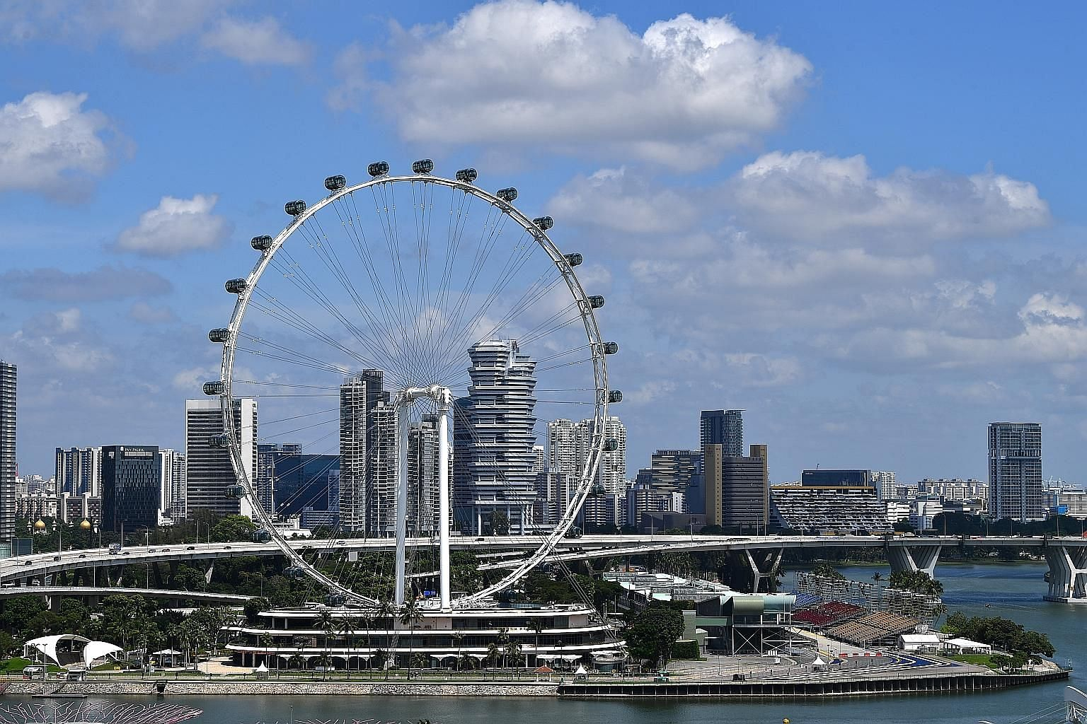 The flight operations of the Singapore Flyer were suspended by the Building and Construction Authority on Nov 19 last year due to a glitch affecting a section of the outer layer of one of the spoke cables.
