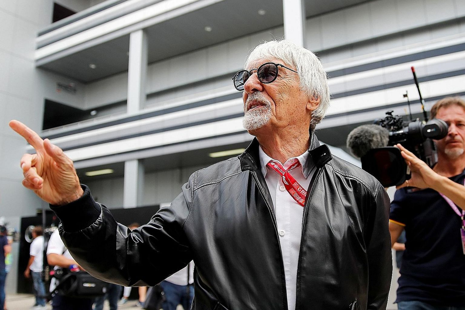 Bernie Ecclestone says creating a calendar for F1 this year is complicated as it needs the support of both race promoters and the teams.