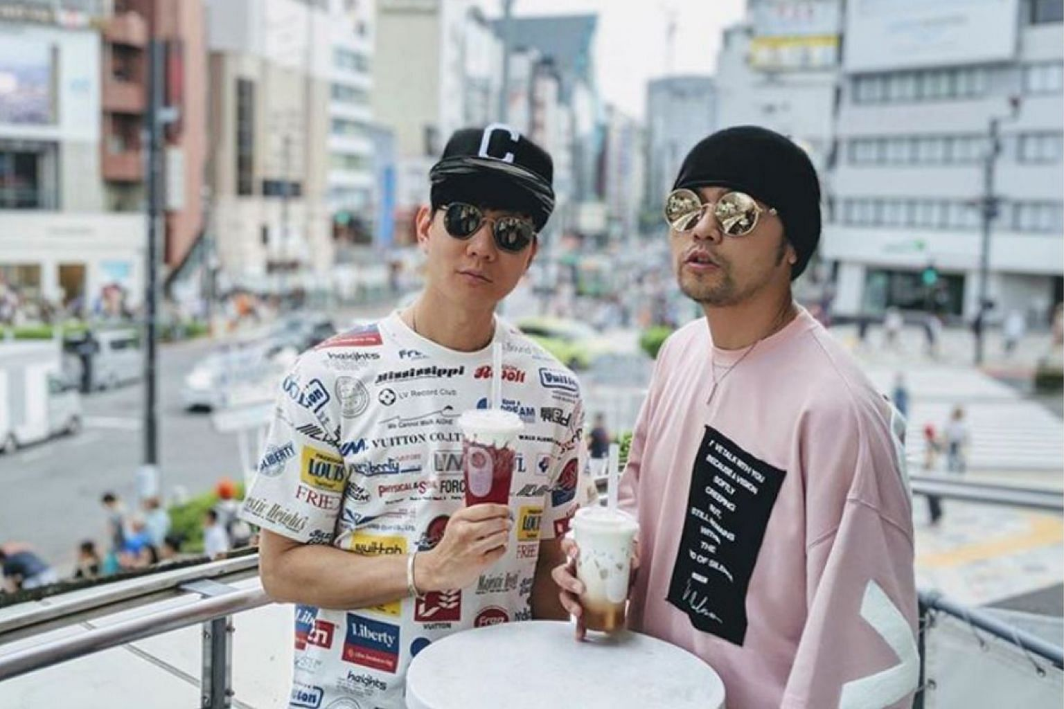 Singers JJ Lin (left) and Jay Chou, seen here in Japan last year, are close friends off-screen.