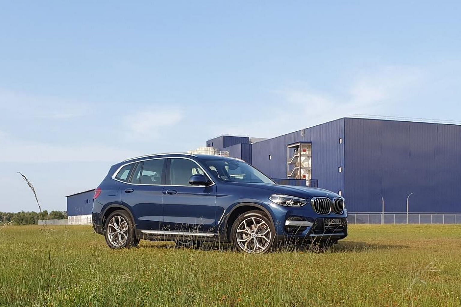 The BMW X3 xDrive30e, after being plugged in overnight, is good for 50km of electric driving, which is adequate for the average motorist here, who clocks 45km a day.