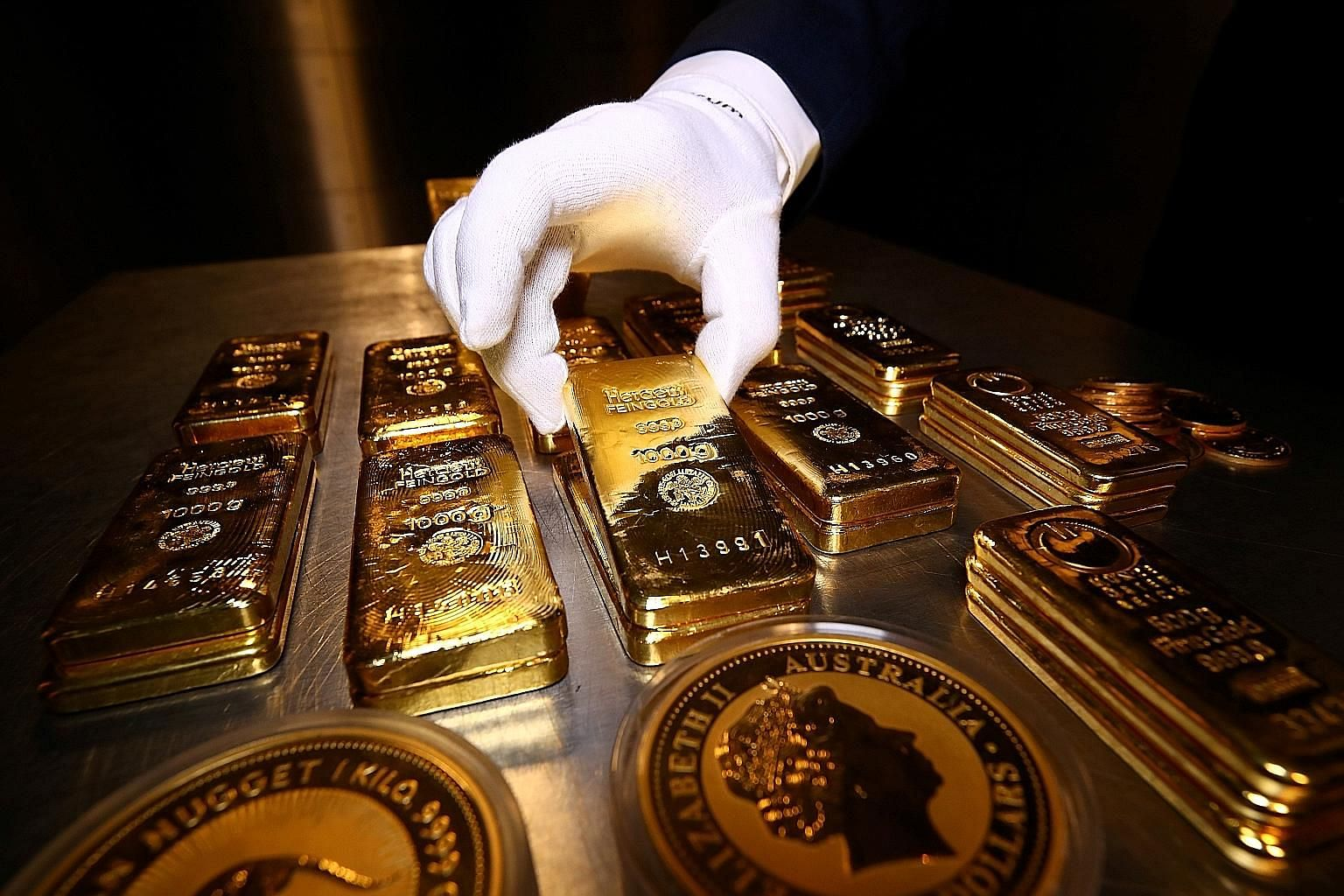 Bars are easy to trade and hence appeal to a variety of investors such as governments, and institutional and private investors. Coins are more popular among many retail investors. They are generally minted by government agencies that guarantee gold c