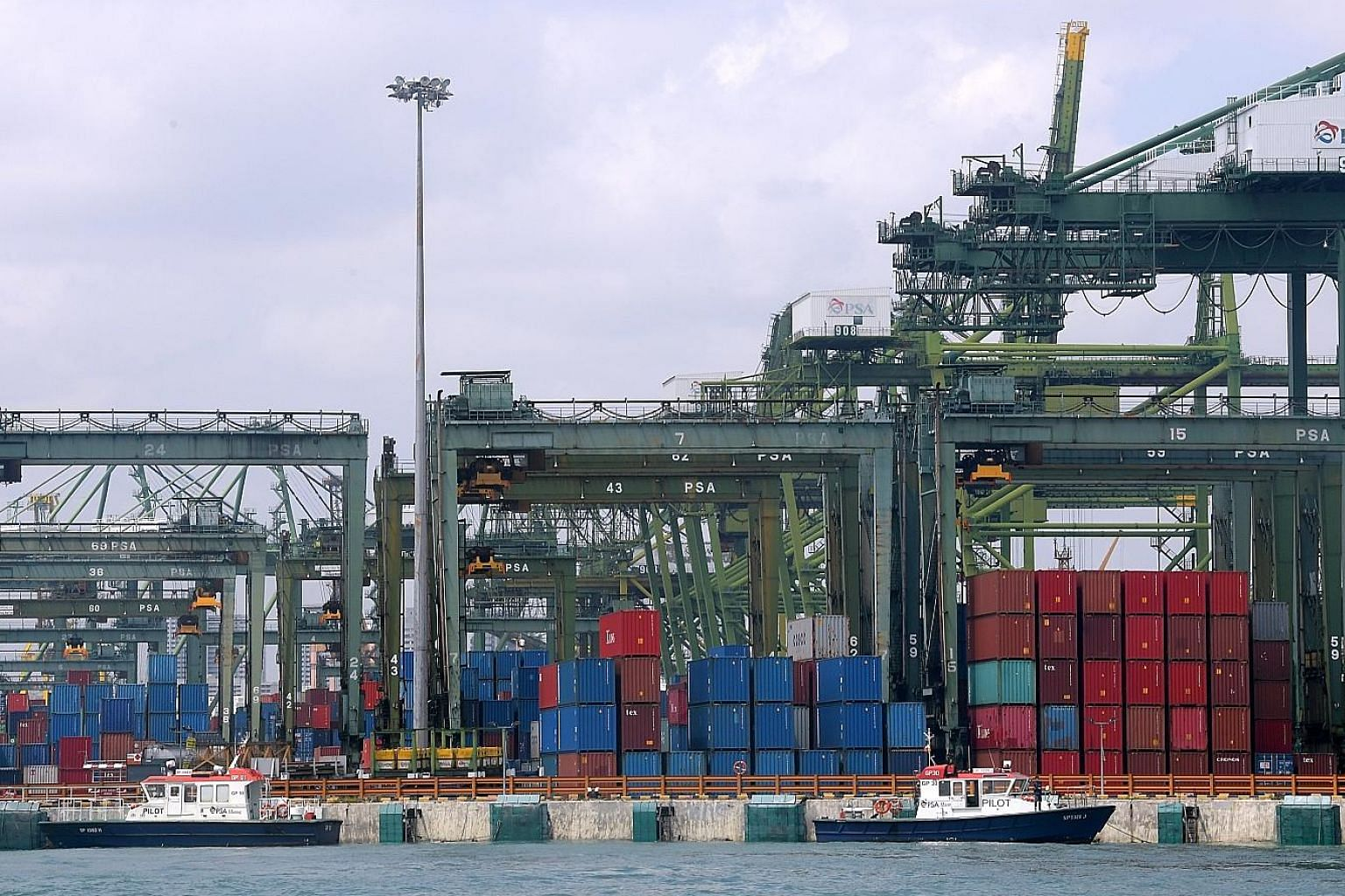 Last month was the third straight month of year-on-year gains for non-oil domestic exports, despite a gloomy economic climate.