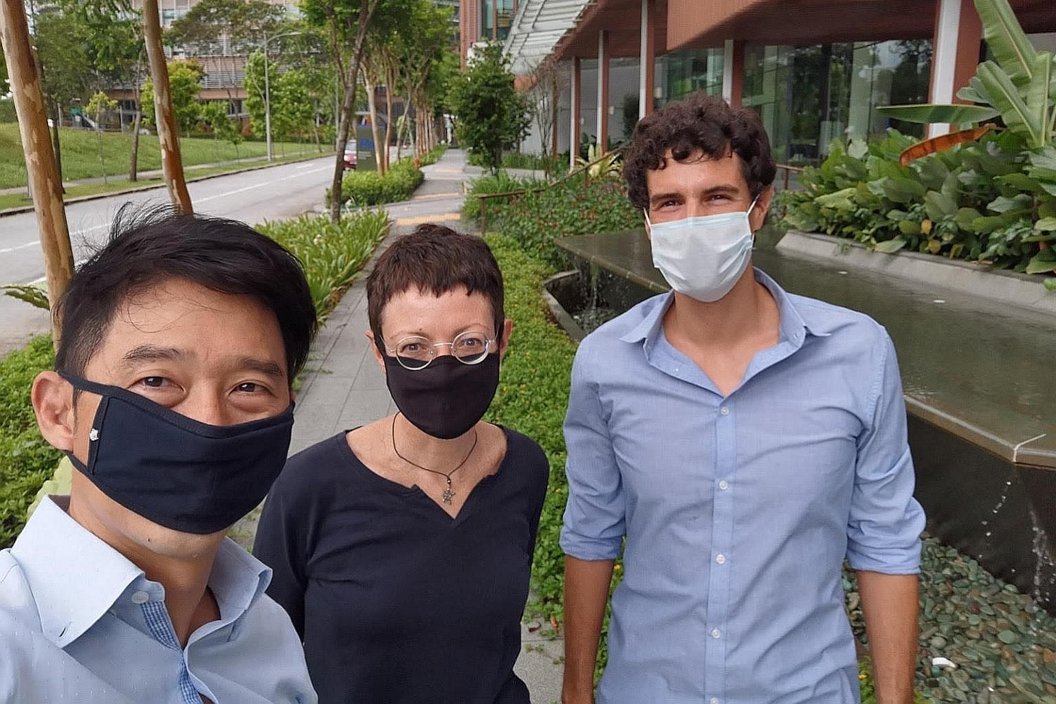 (From left) Immunoscape's chief executive Ng Choon Peng, its chief operating officer Alessandra Nardin, and its associate director and head of technology development Yannick Simoni. PHOTO: IMMUNOSCAPE
