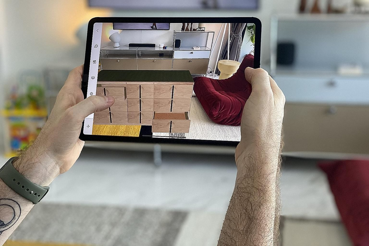"""With the SketchUp Viewer app, American designer Jason Schlabach can now virtually """"place"""" furniture in his apartment."""