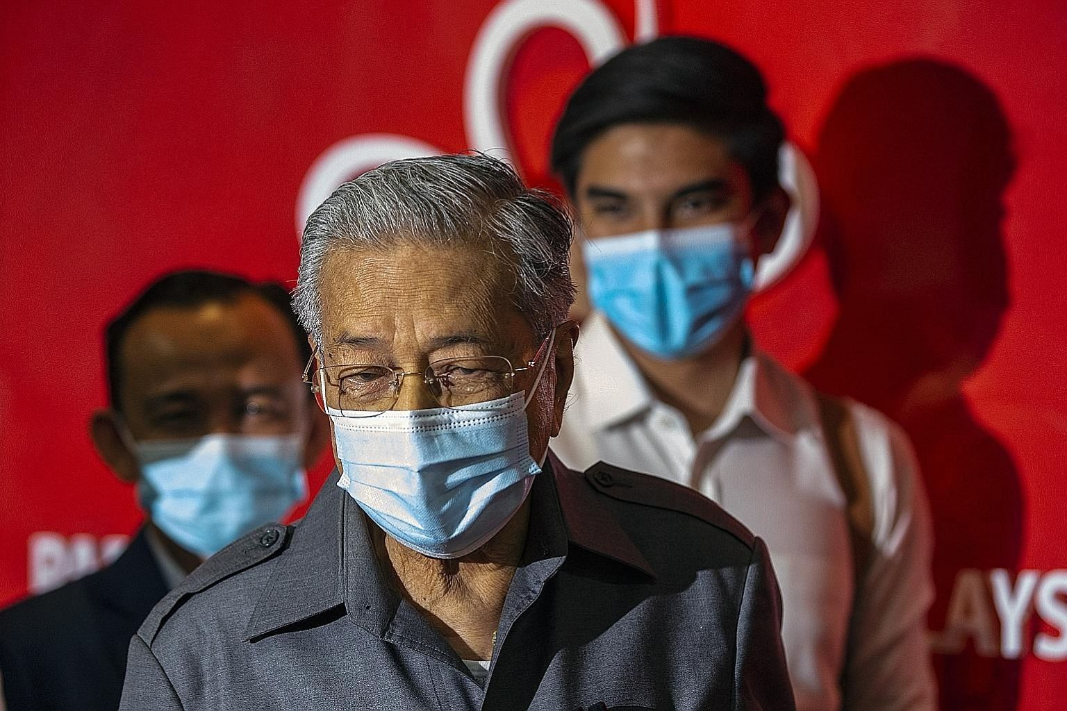 Former Malaysian premier Mahathir Mohamad (right) and four other MPs from Parti Pribumi Bersatu Malaysia, the party Tun Dr Mahathir co-founded, have been removed from the party for refusing to support the government led by party president Muhyiddin Y
