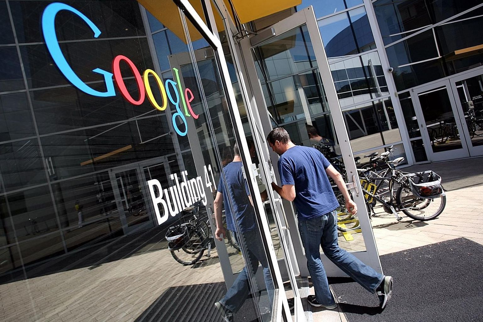 Australia is set to unveil plans to force major Internet firms to share advertising revenue they earn from news featured in their services. Its competition watchdog estimates that Google and Facebook together earn some A$6 billion a year from adverti