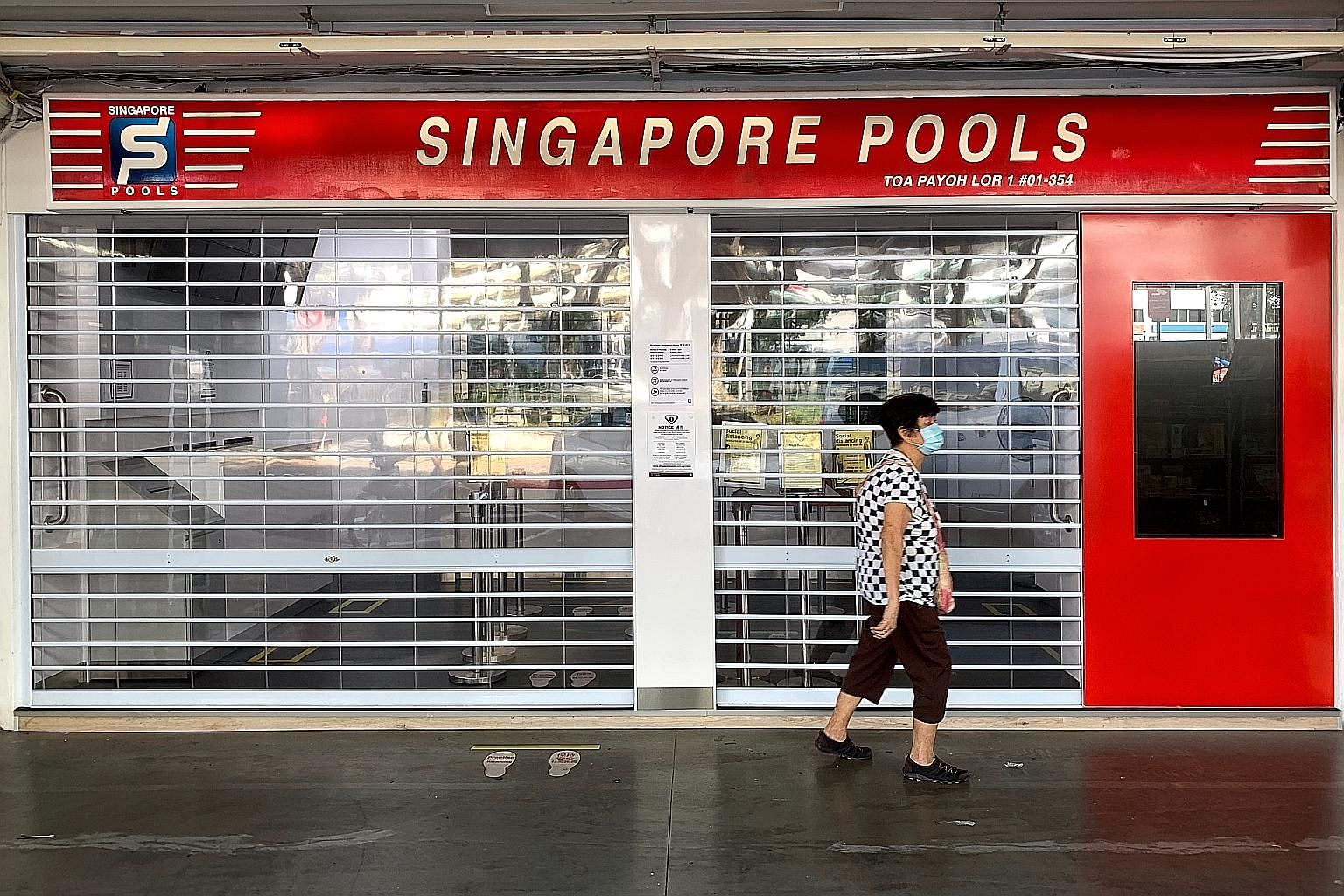 Punters will soon be able to place bets again at Singapore Pools outlets, such as this one at Toa Payoh Lorong 1, when the shops resume operations from Monday. ST PHOTO: KUA CHEE SIONG