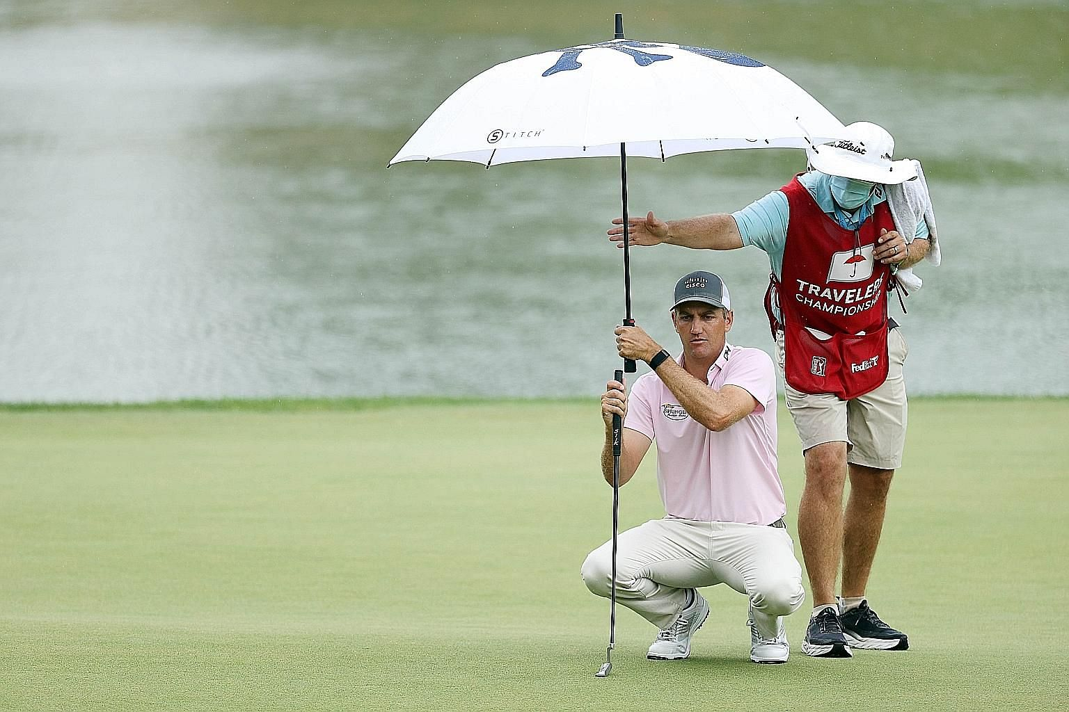 American Brendon Todd fired a nine-under 61 in Saturday's third round of the Travelers Championship. It was the lowest round of his PGA Tour career and he was seeking to become the first three-time winner this season.