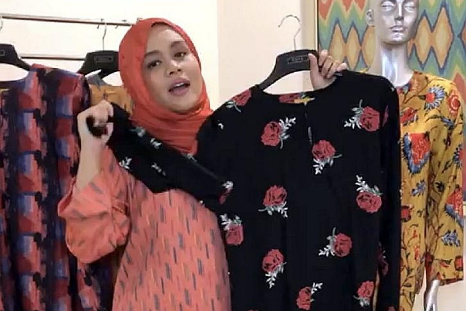 Madam Adilah Khairudin, owner of traditional Malay clothing shop Poya Boutique, found that after going online, she started getting customers from different parts of Malaysia, whereas her physical store of more than 20 years attracted mostly customers