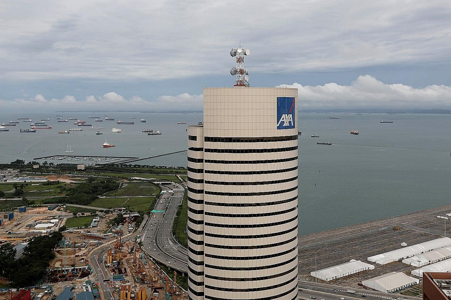 The investment market in the second quarter was propped up by the return of big-ticket commercial deals. The quarter's biggest deal was Chinese e-commerce giant Alibaba Group buying a 50 per cent stake in AXA Tower, a sale that values the property at