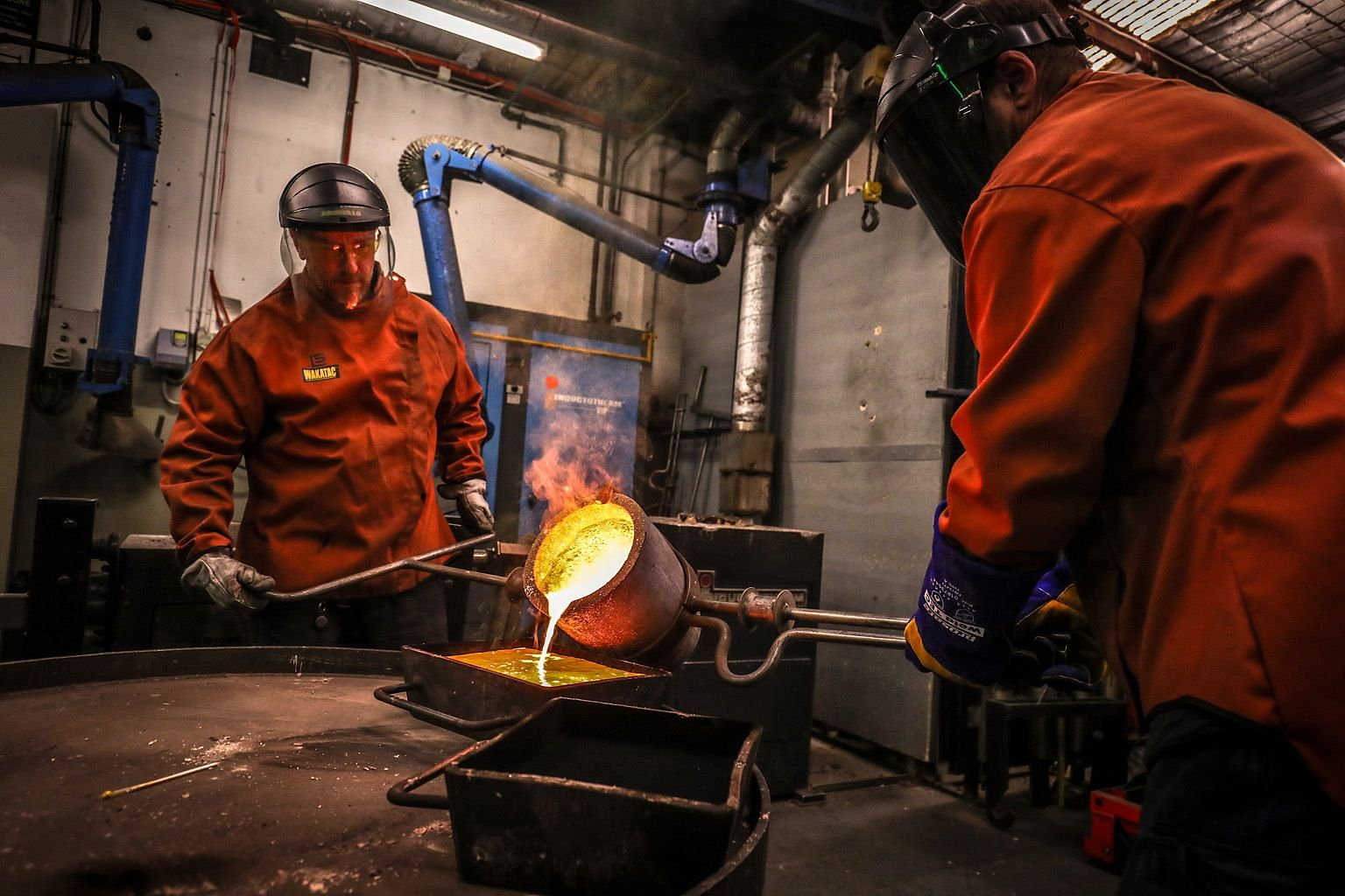 Workers pouring gold into a mould at a smelter in Sydney. When a recession hits and central banks go on a rate-cut overdrive, a large part of the usual low-risk bond market becomes worthless in terms of yield. Gold becomes the preferred alternative i