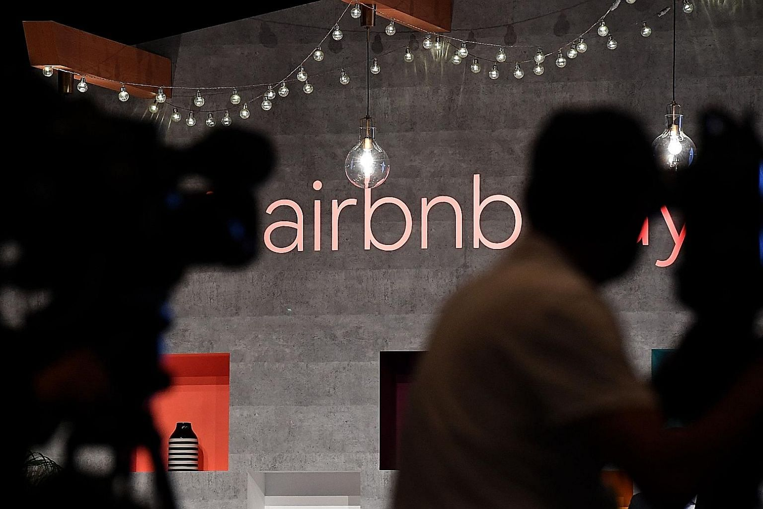 Airbnb's gross bookings - a sum that includes money paid to hosts - had rebounded in recent weeks, chief executive Brian Chesky indicated on a videoconference with employees. The firm is under staff pressure to go public; shares held by early employe