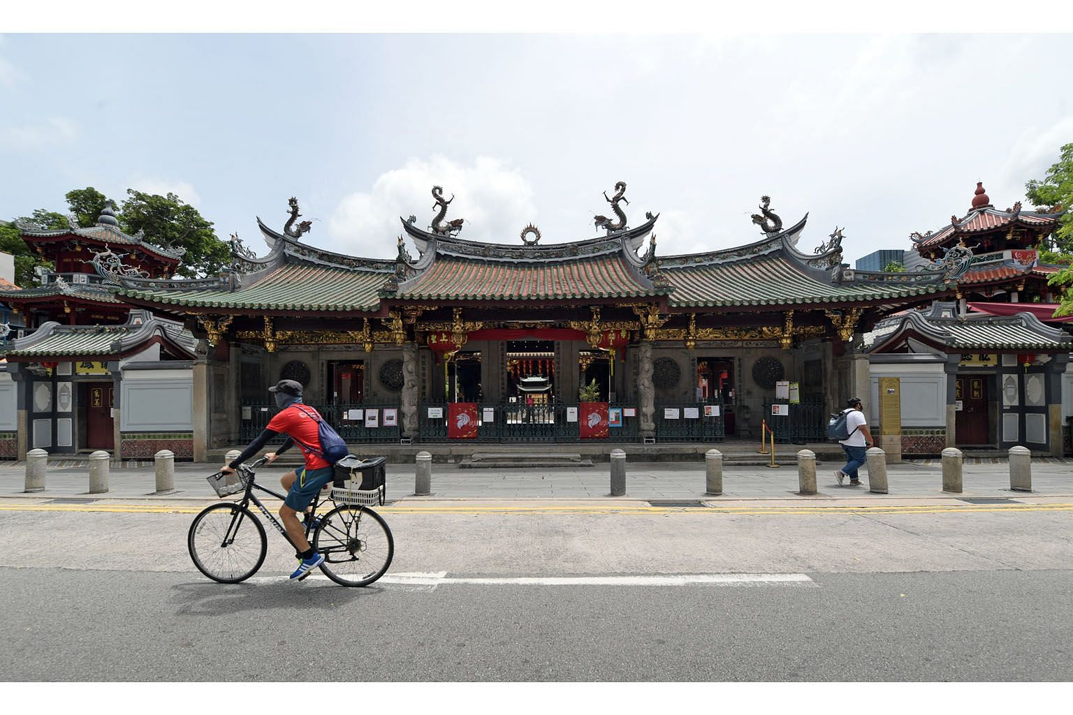 Thian Hock Keng Temple in Telok Ayer Street is one of the five temples nominated by the Taoist Federation to join a pilot scheme that allows for a higher attendance limit for congregational and other worship services. ST PHOTO: ALPHONSUS CHERN