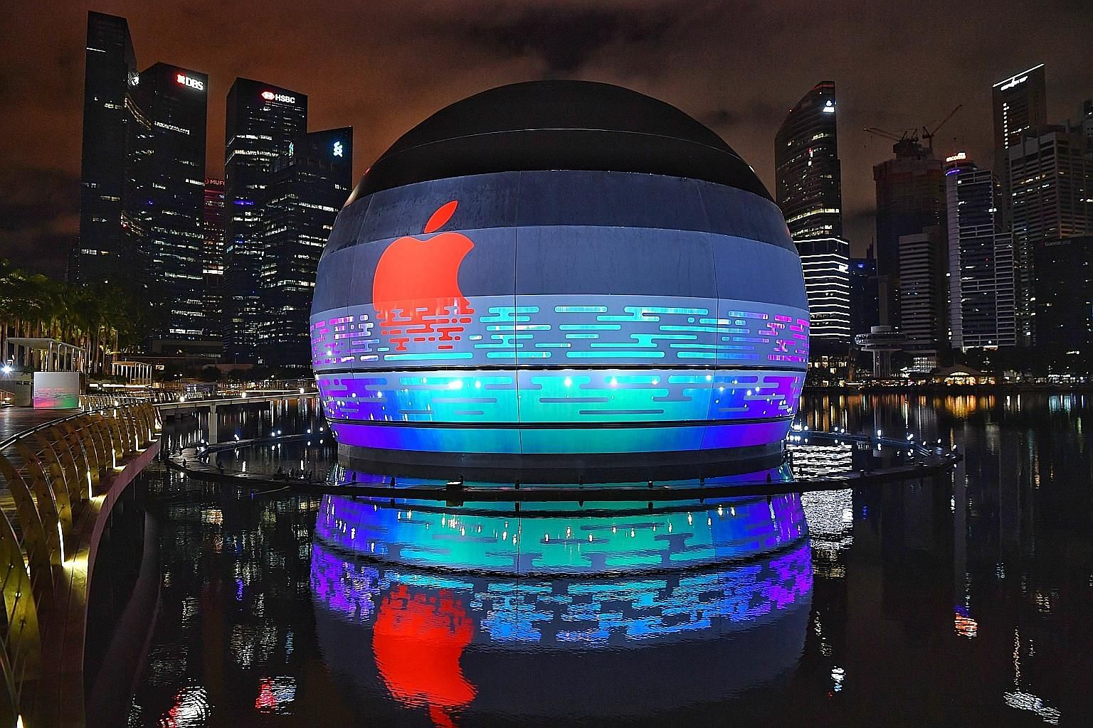 Apple's new store will be situated in the dome-like structure sitting on the water off Marina Bay Sands that was occupied by mega nightclub Avalon from 2011 to 2016.
