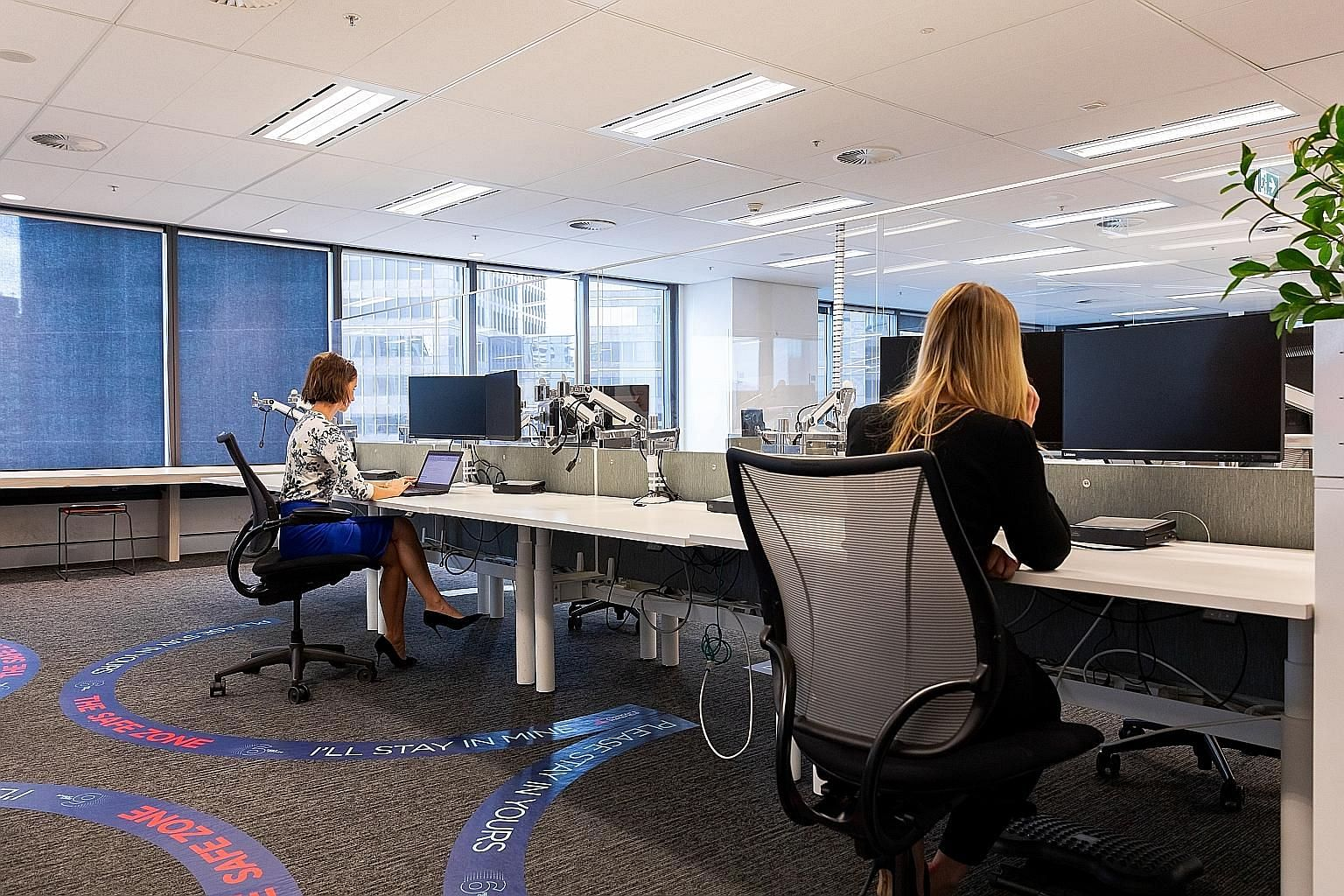 Cushman & Wakefield has pioneered an office concept in Amsterdam and Sydney that aims to uphold social distancing, reduce overall touch points and promote one-way circulation and personal hygiene. Employees work within their own safe zones which are