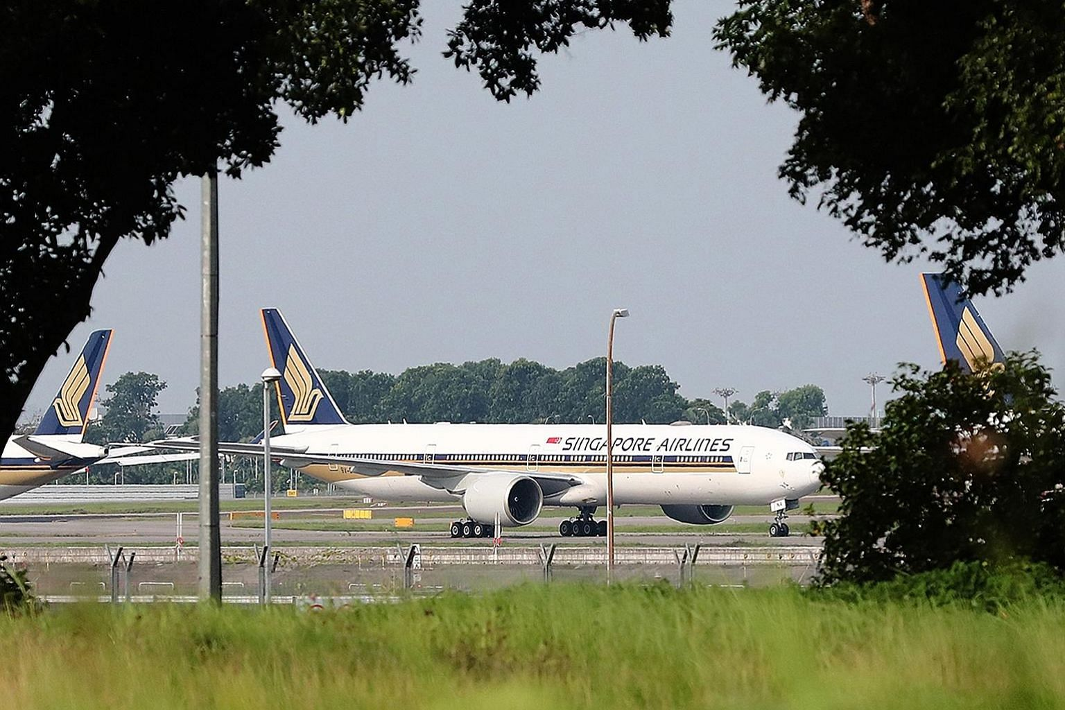 The Straits Times understands that there are more than 400 staff at various stages of training. Those who had to abort their training are mainly foreigners. Retained Singapore Airlines cadet pilots who need to complete their training's overseas segme