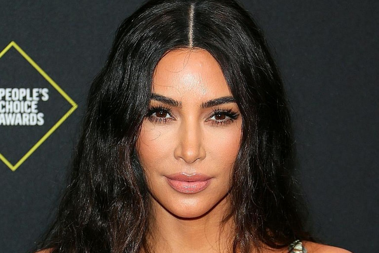 Kim Kardashian West has frozen her Facebook and Instagram accounts for 24 hours since yesterday to urge Facebook to curb the spread of hate and propaganda.