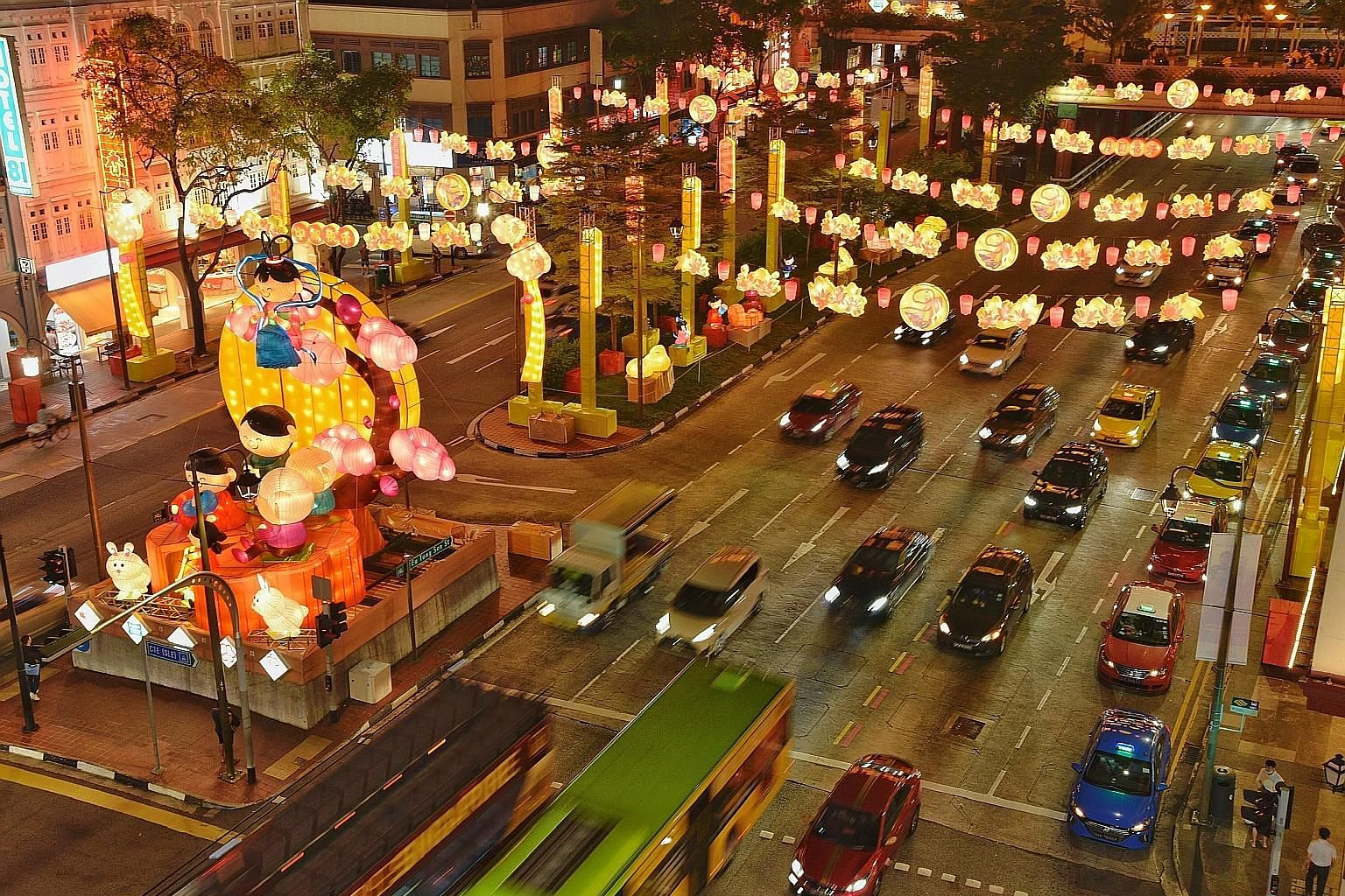 Chinatown's annual Mid-Autumn Festival light-up kicked off last night. The light-up, which lasts until Oct 16, features about 700 lanterns and sculptures depicting traditional festival motifs and characters such as Chang'e, goddess of the moon in Chi