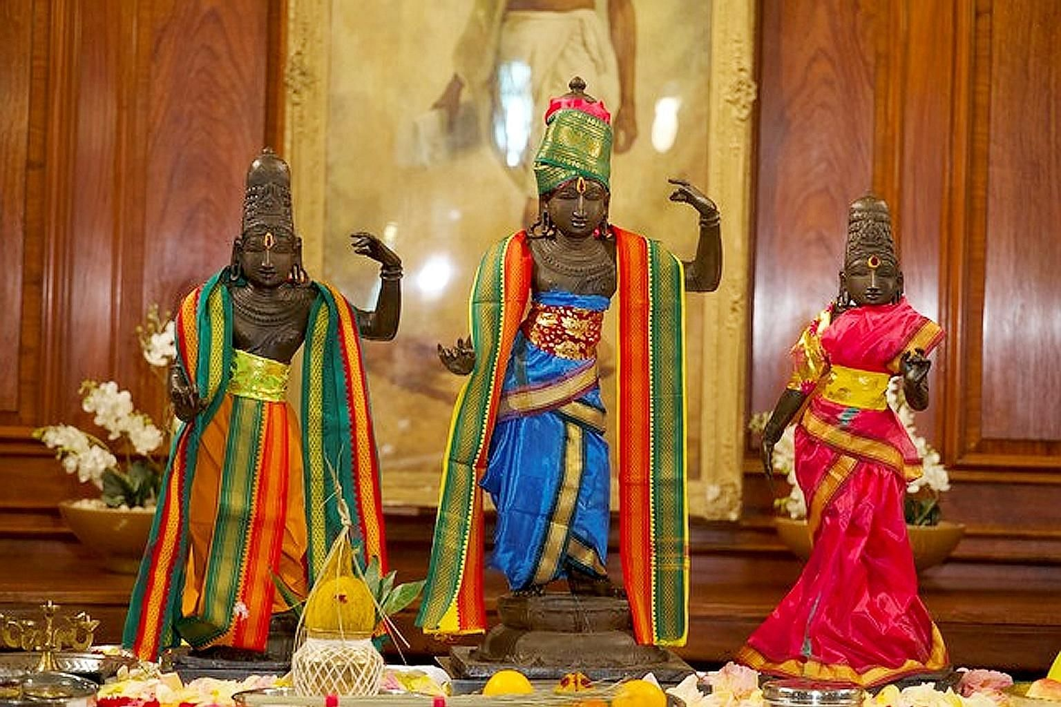 The three bronze statues were among four that were stolen in 1978 from a Hindu temple in India. The thieves were convicted in India at the time, but it was only last year that three of the statues were found, when the Indian High Commission in London