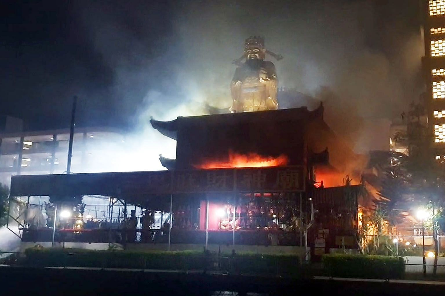 Plumes of smoke could be seen billowing from the temple as flames raged in the compound behind the main temple sign in a Facebook live stream posted by Chinese daily Lianhe Zaobao last night.