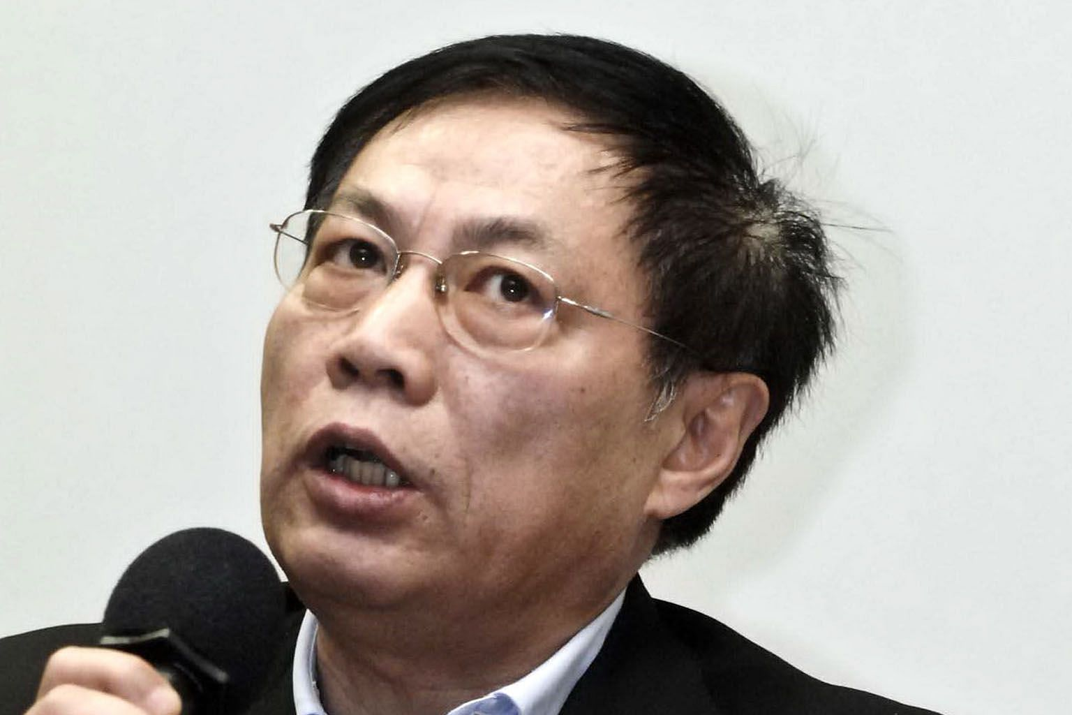 Tycoon Ren Zhiqiang was linked to an article criticising President Xi Jinping over the virus outbreak.