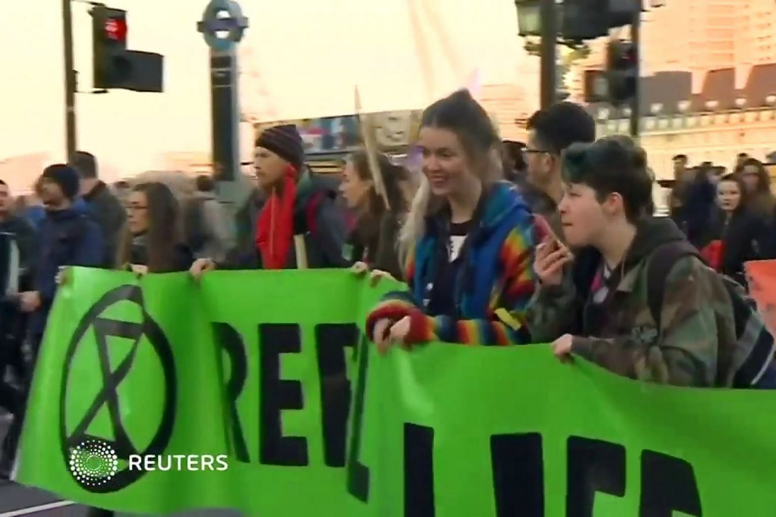 London bridges blocked by environment protest, 70 arrested