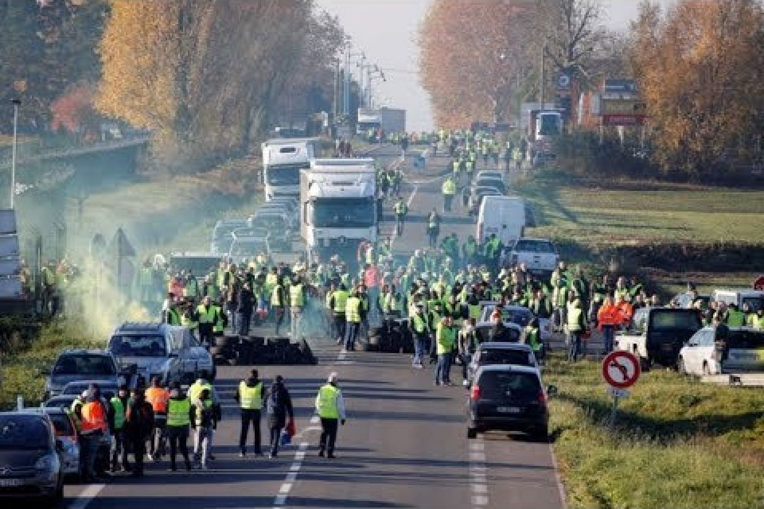 Protester killed in accident during French road blockades