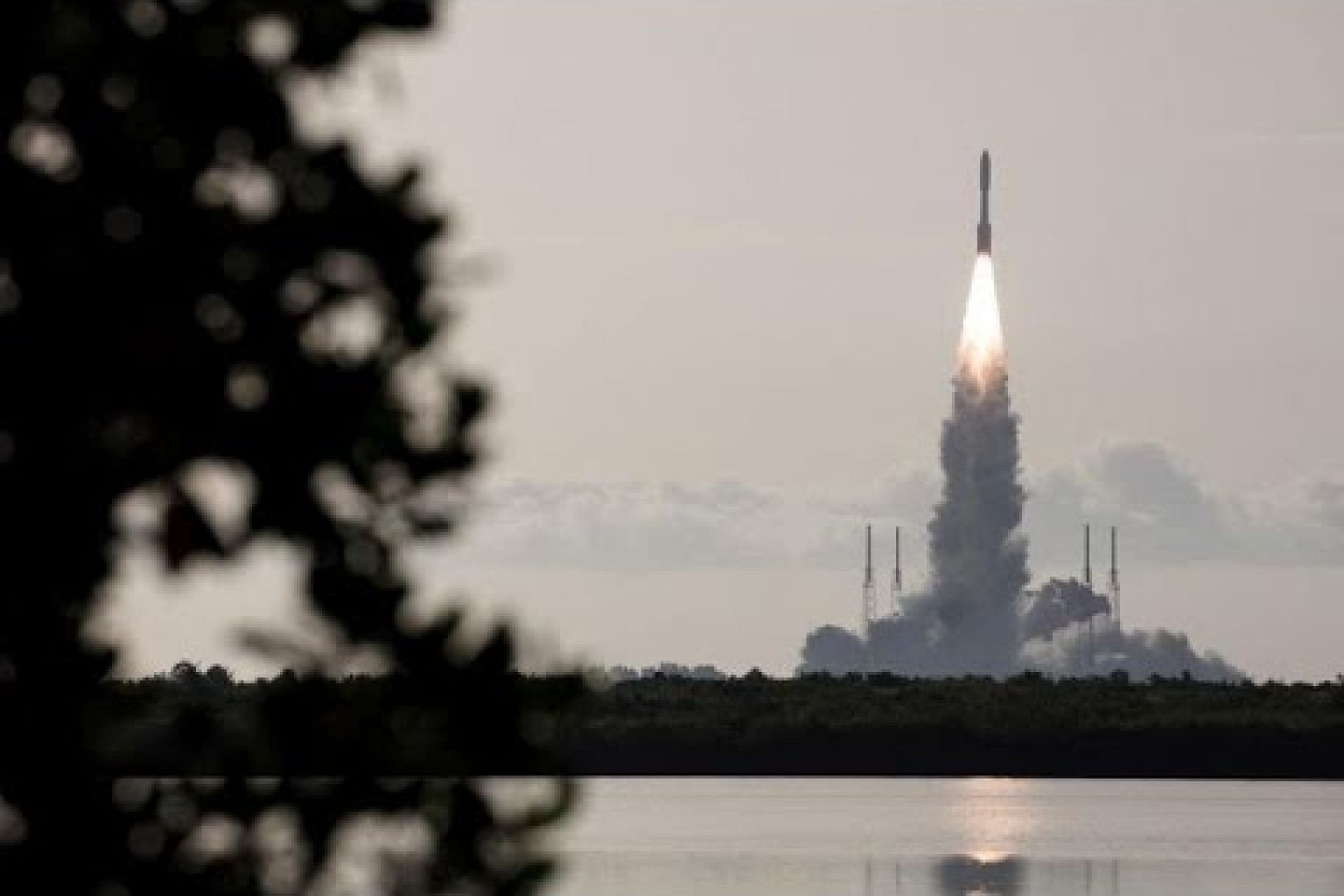 New Mars rover launches, seeks signs of past life