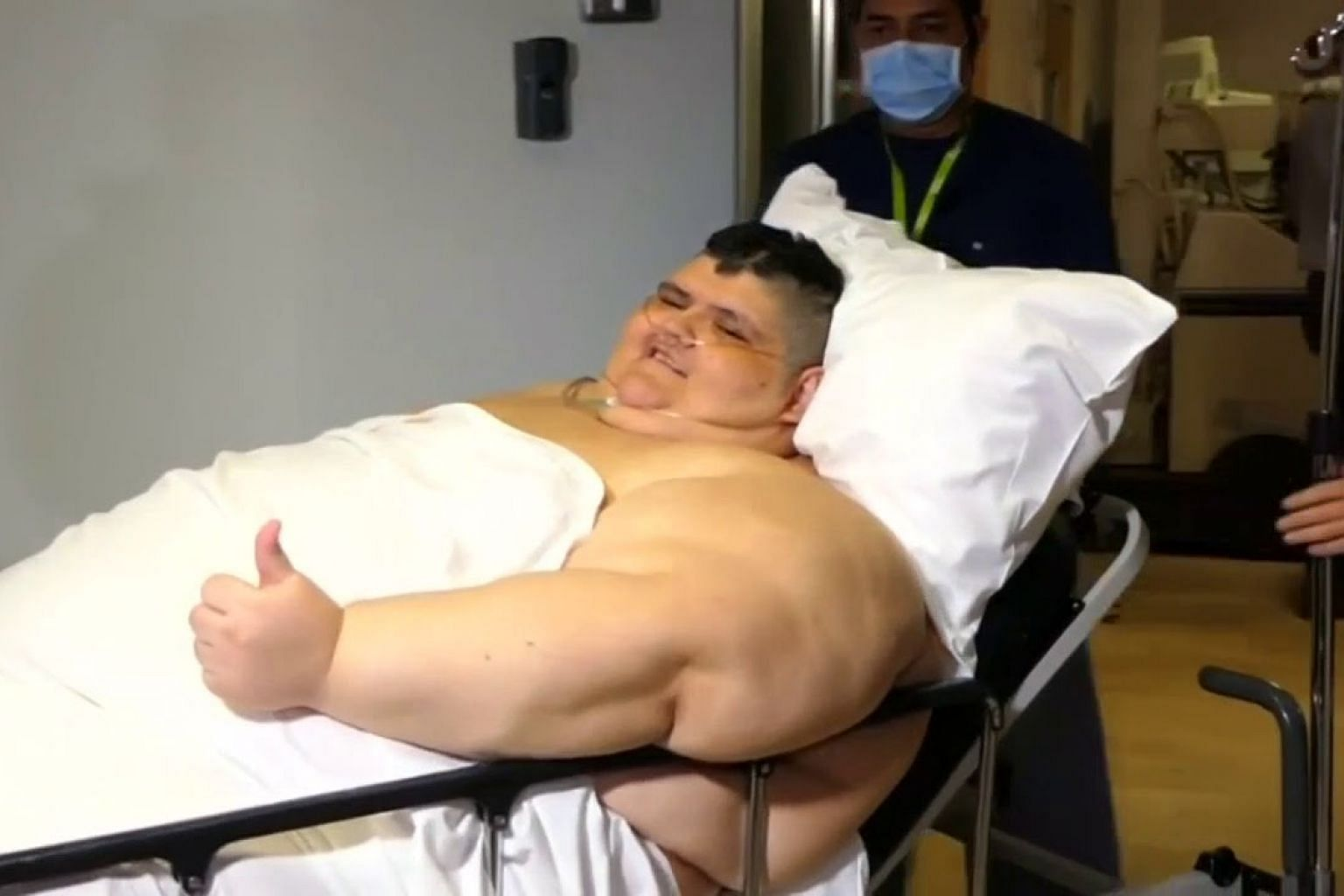Mexico's 'heaviest man' has surgery to halve his weight