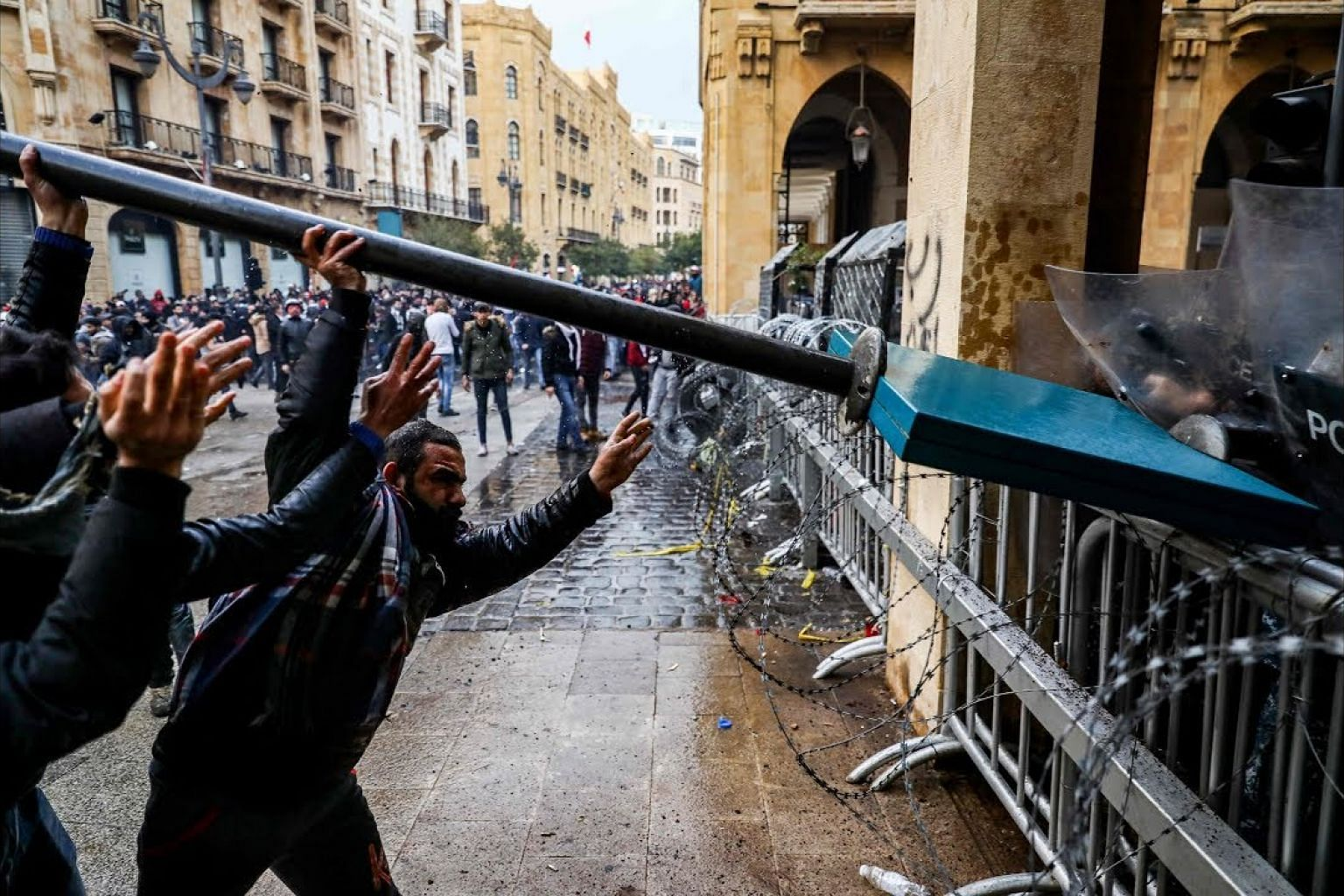 Protesters square off against Lebanon security forces