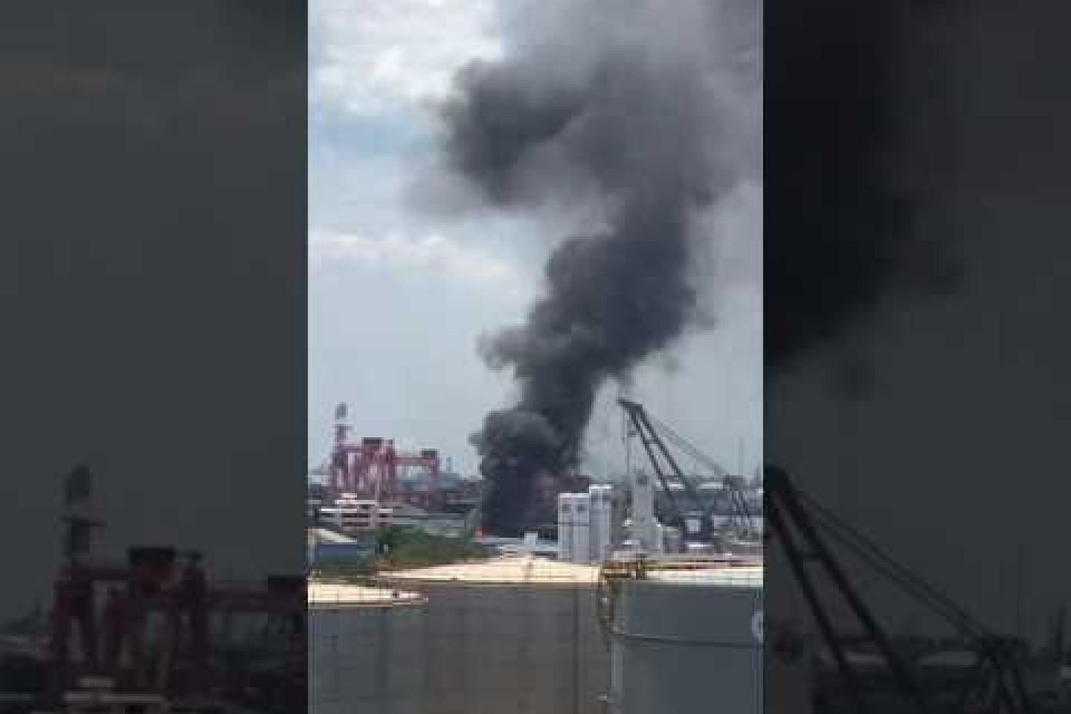 Fire breaks out at warehouse in Tanjong Kling in Jurong