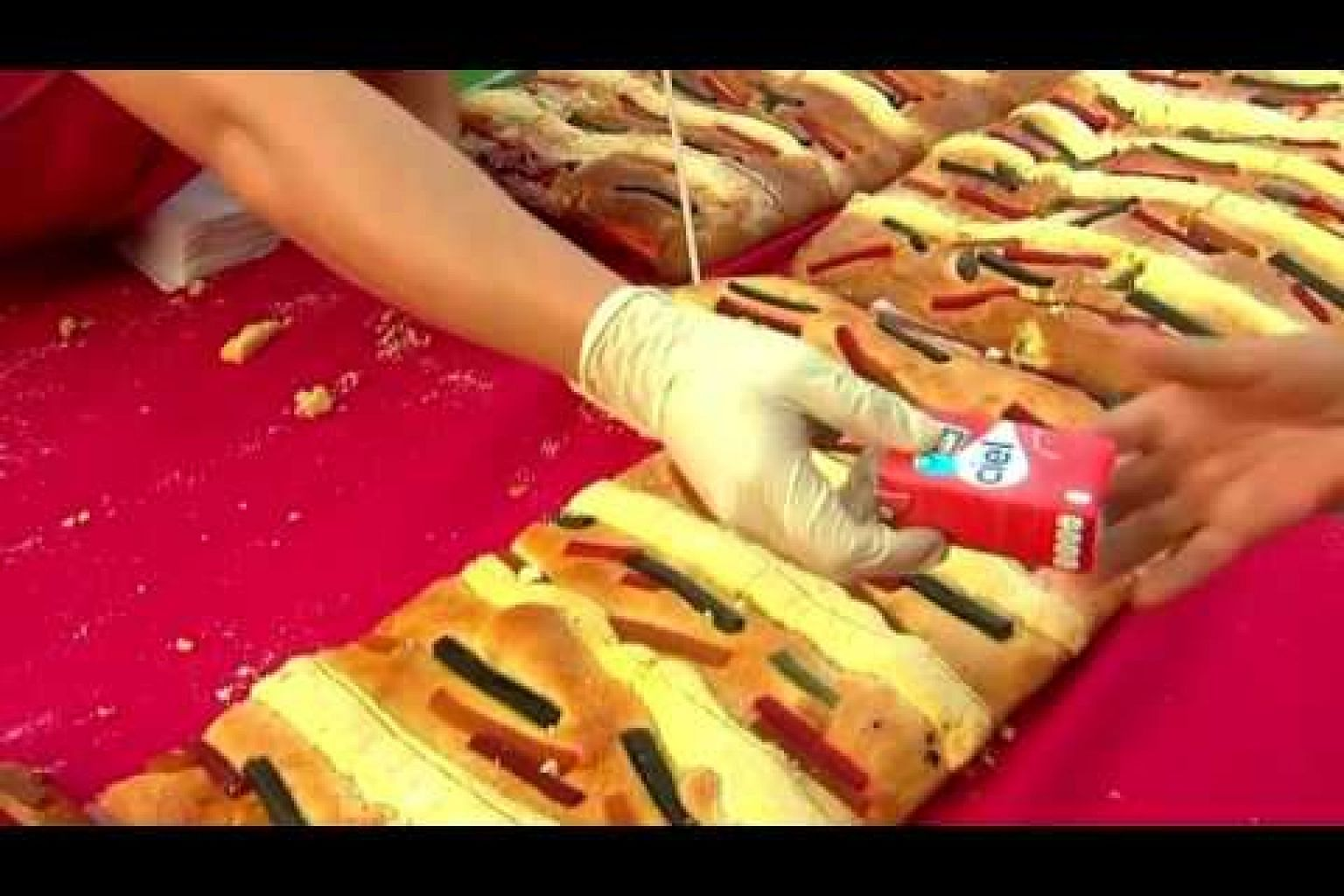 Mexicans celebrate Epiphany with a huge cake
