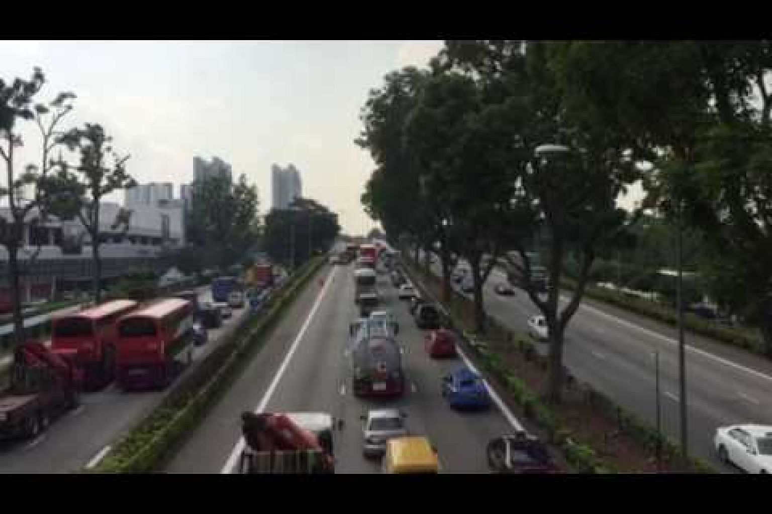 Accident on AYE causes bad jam, March 23, 2017