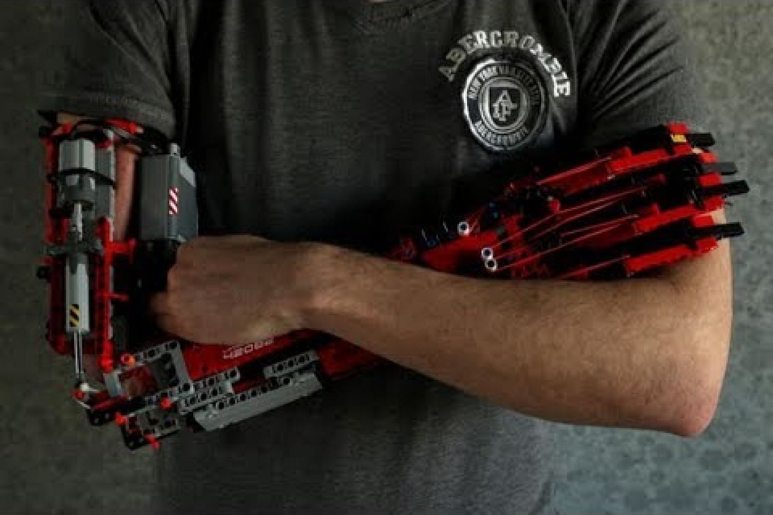 Teen builds his own prosthetic using Lego bricks