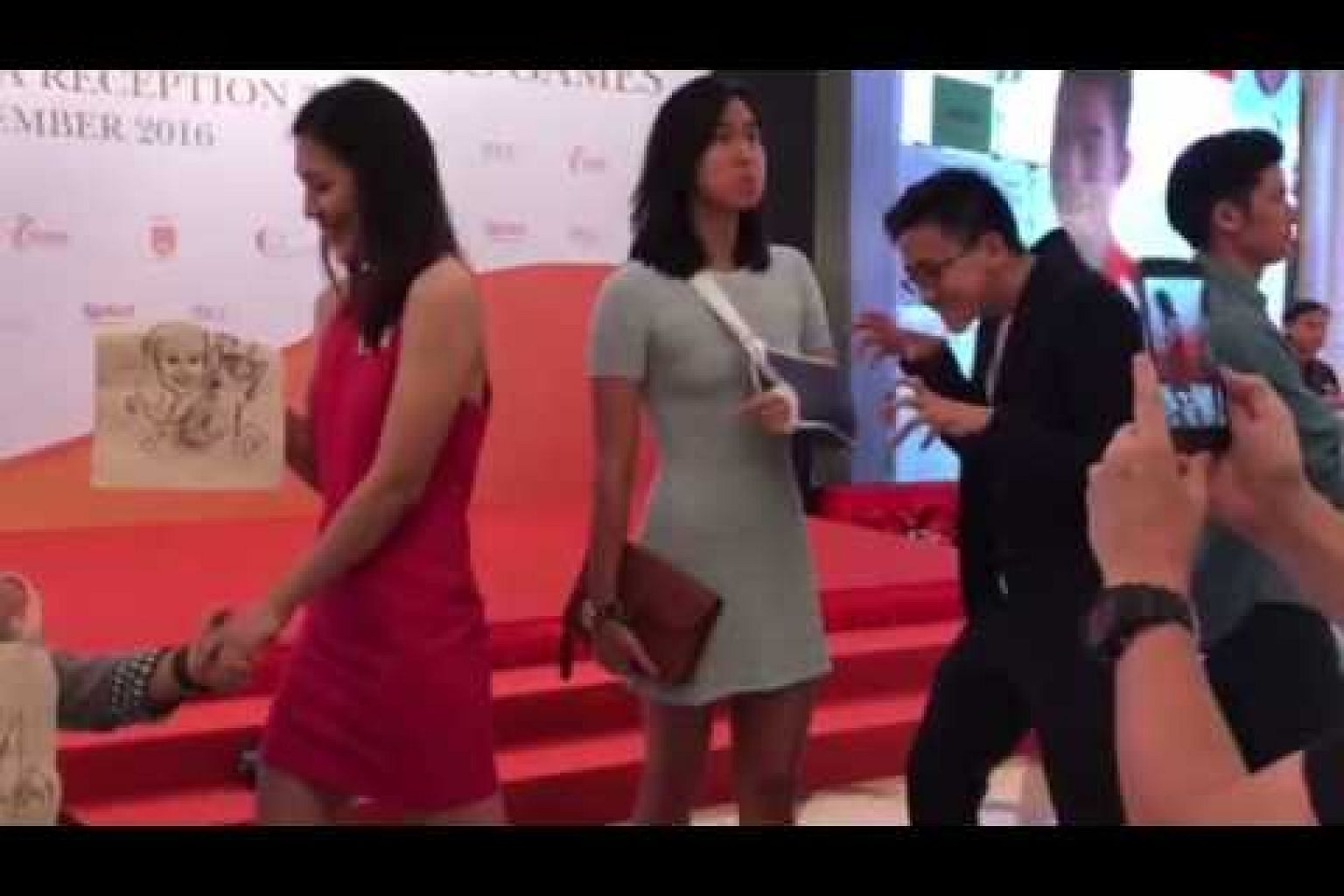 S'pore paralympians and Olympians do the mannequin challenge