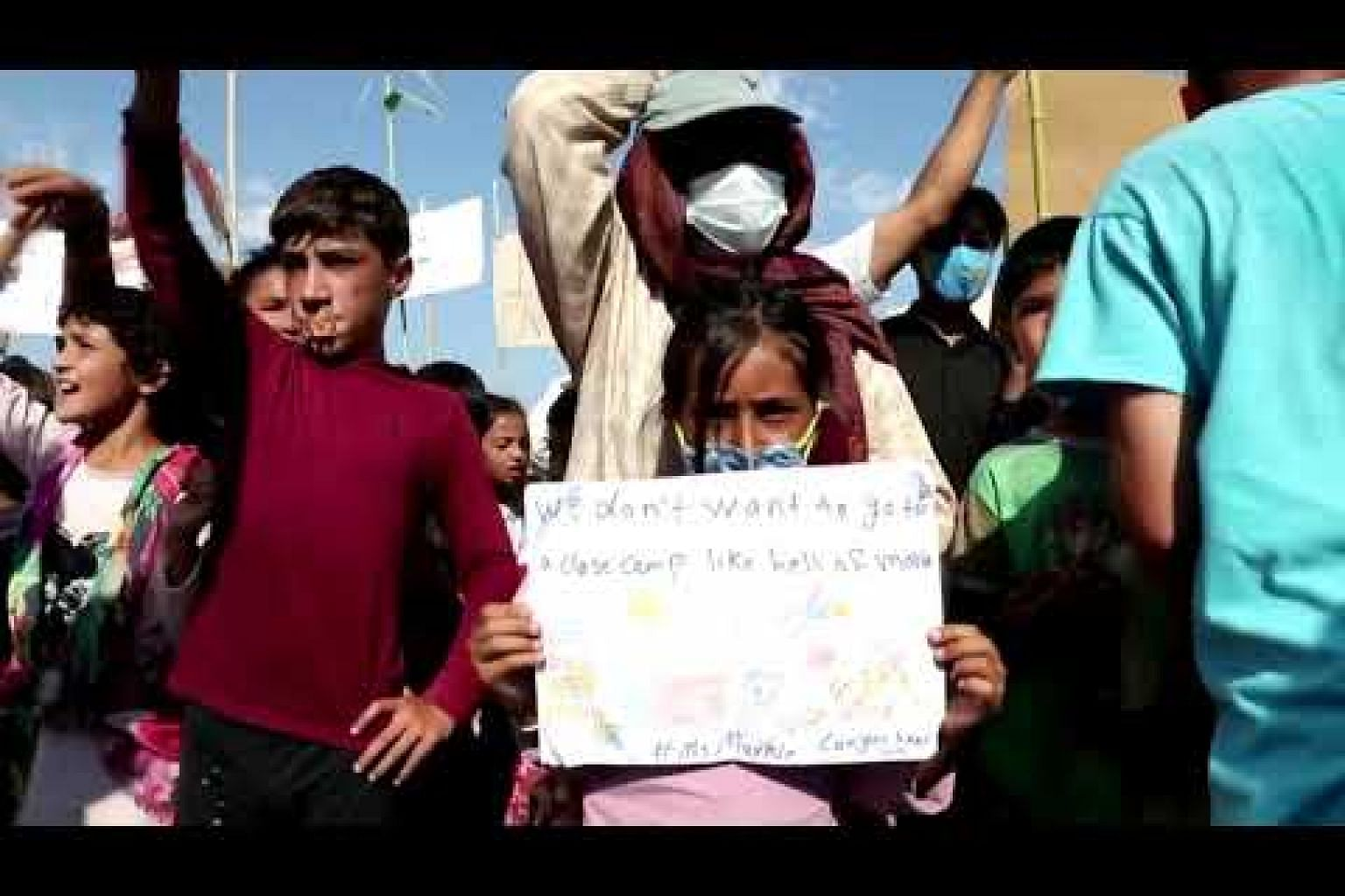 Migrants protest in Lesbos for second day