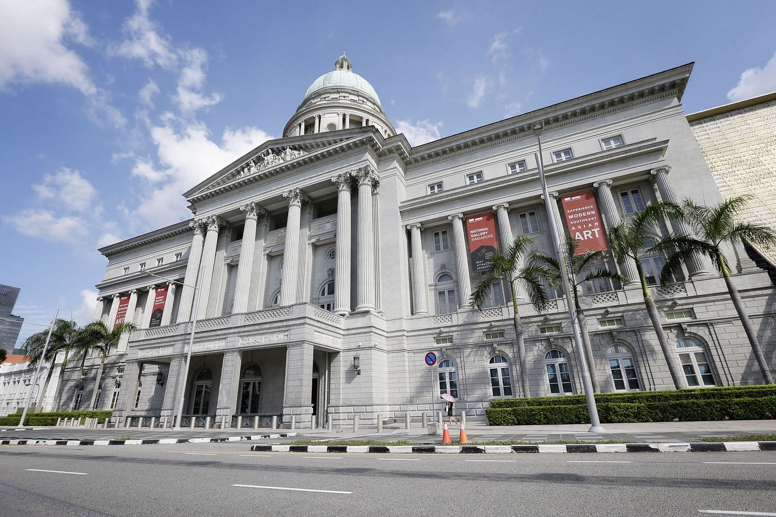 The former Supreme Court building's 78-year-old edifice, designed by Frank Dorrington Ward, features imposing Corinthian and Ionic columns, a 65m-tall copper-clad dome, and a tympanum featuring the allegory of justice. The court has seen the highest-