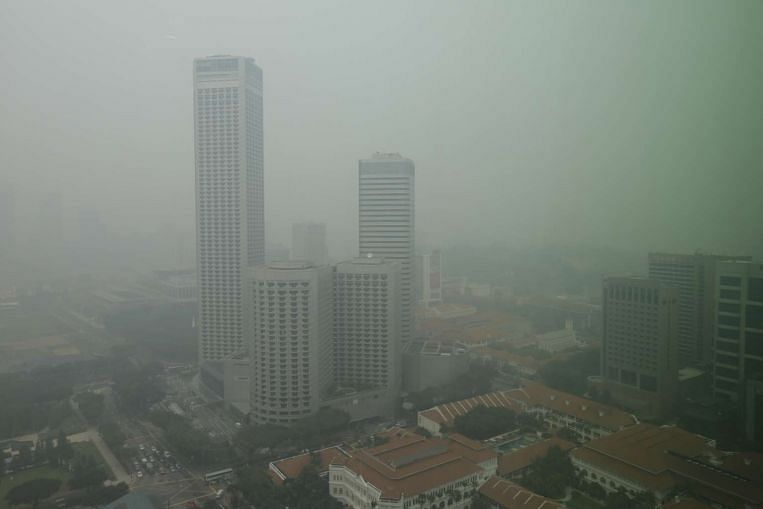 Haze worsens on Tuesday as 24-hour PSI enters very unhealthy range - S'pore