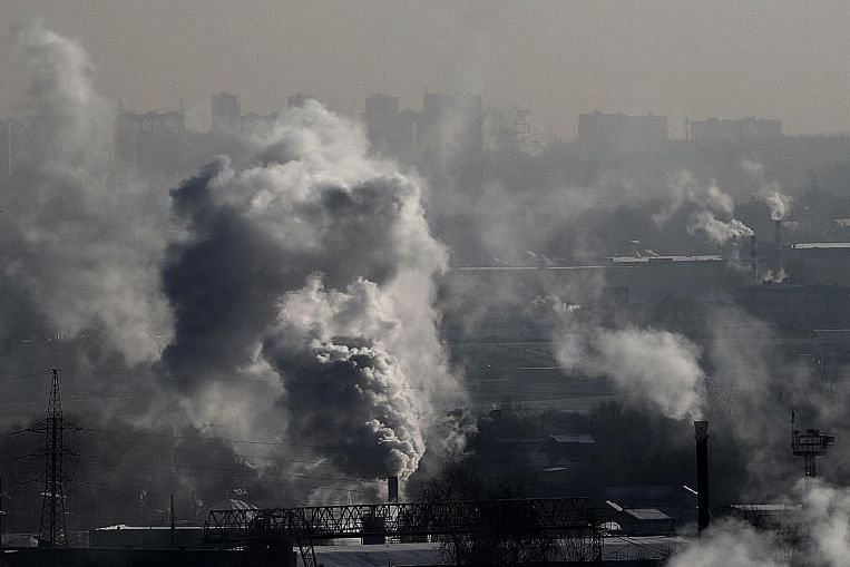 Carbon dioxide emissions up for the first time in four years