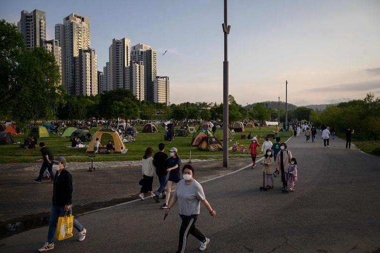 Coronavirus: South Korean man jailed for quarantine violations