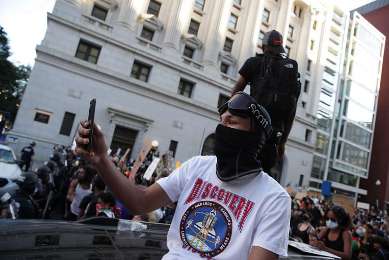 Twitter suspends hundreds of accounts tweeting #dcblackout during protests