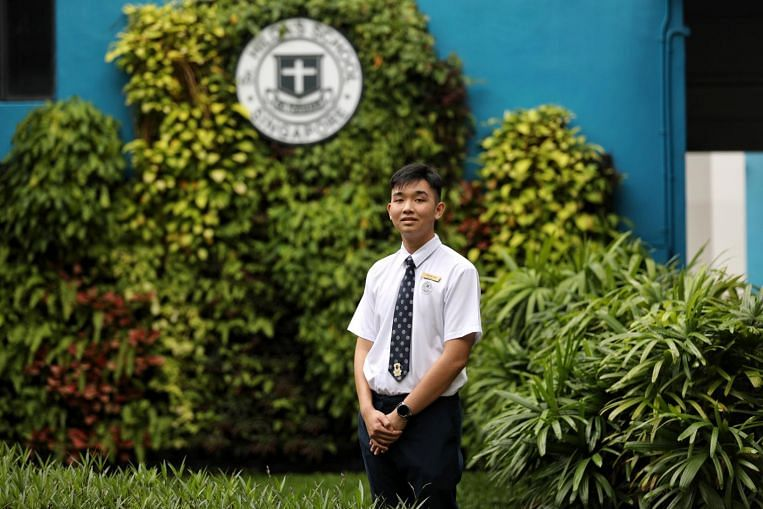 O-level results: Student missed school for a year because of cancer but graduates with classmates thumbnail